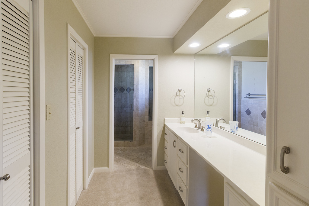 12master bathroom